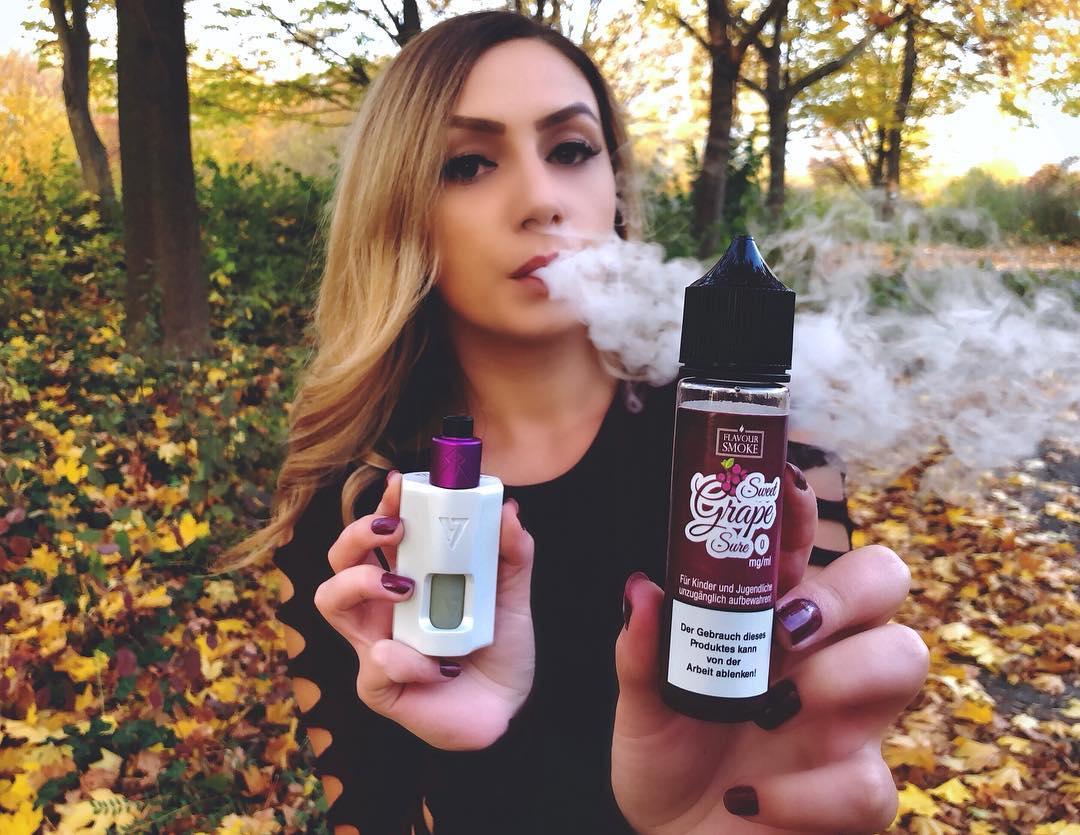 国外ins上使用电子烟的美女,你认得这些品牌吗