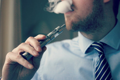 电子烟和香烟哪个危害大